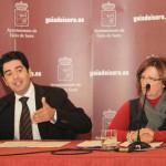 pedro_martin_y_carmen_alicia_gonzalez_-_presentacion_presupuestos_guia_de_isora_2011-2