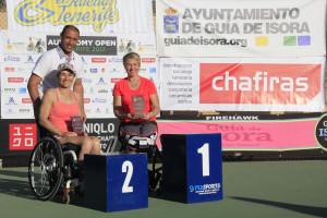 Jose con ganadoras individuales y dobles femeninas_MG_1872