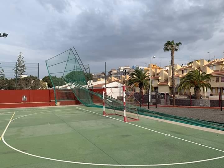 El Ayuntamiento de Guía de Isora avanza en la reparación de las instalaciones deportivas tras el temporal
